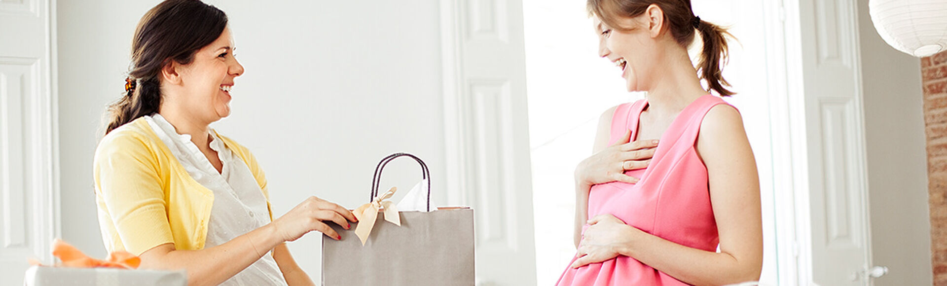 Ten en cuenta estos consejos para tus invitados | Más Abrazos by Huggies