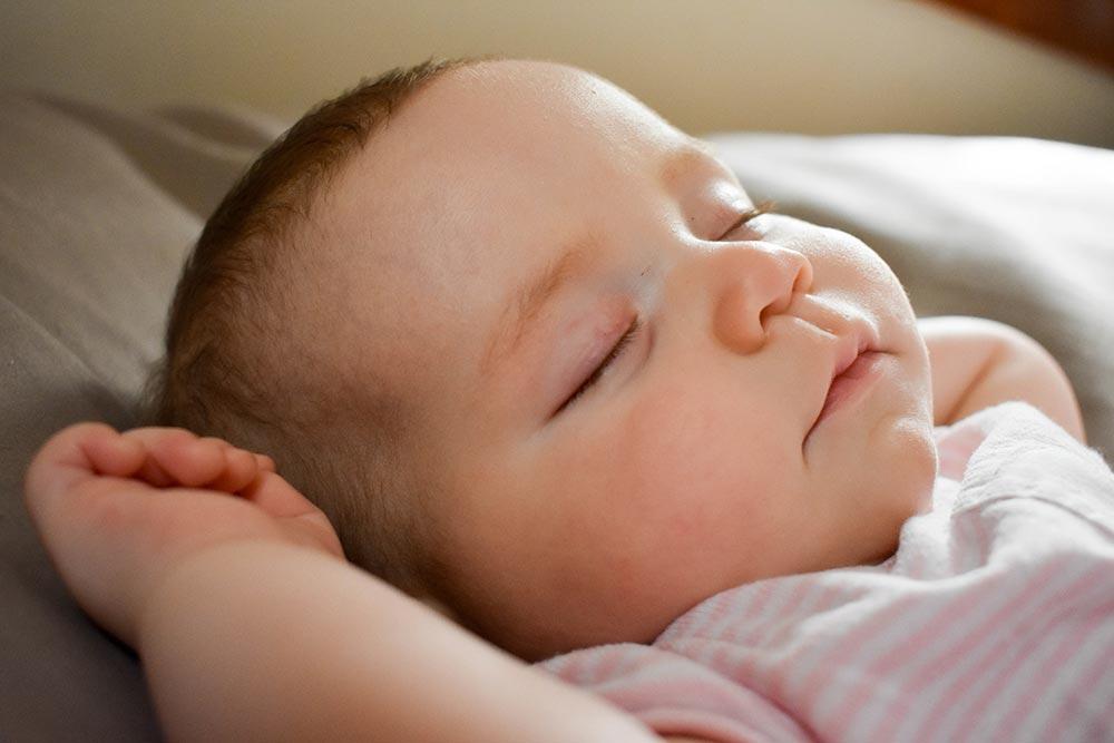 Cuántas horas duerme un bebé